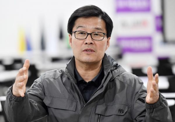 류태호 태백시장이 넥센스피드레이싱 개막전이 열리는 인제스피디움을 방문했다. (사진=권진욱 기자)