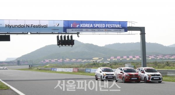 KSF 모닝 챌린지 2라운드 결승전 레이스 장면. (사진=권진욱 기자)